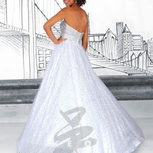 Tiffany Designs Dresses - Prom Dress 61116